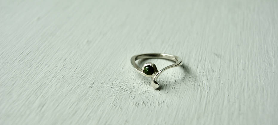 Sterling Silver twist ring availble with all gemstones