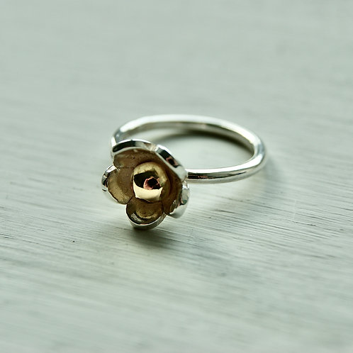 silver and gold daisy ring