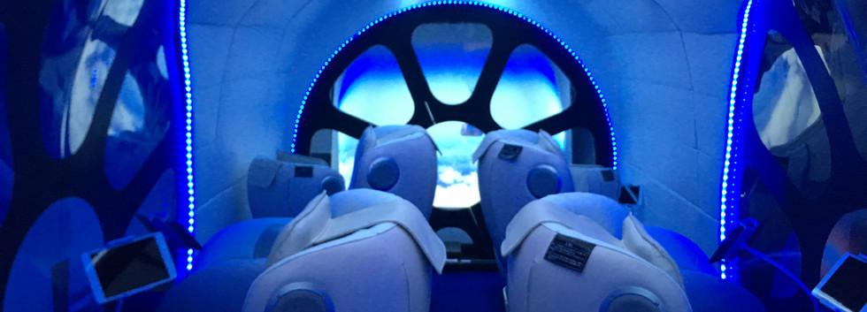 ASTRAX宇宙船シミュレーター内部1.JPG