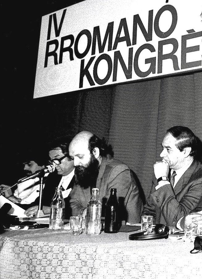 Marcel Courthiade au 4ème Congrès de l'Union Rromani Internationale à Varsovie, instance ayant adopté l'alphabet du rromani de rassemblement et les principes de son unification