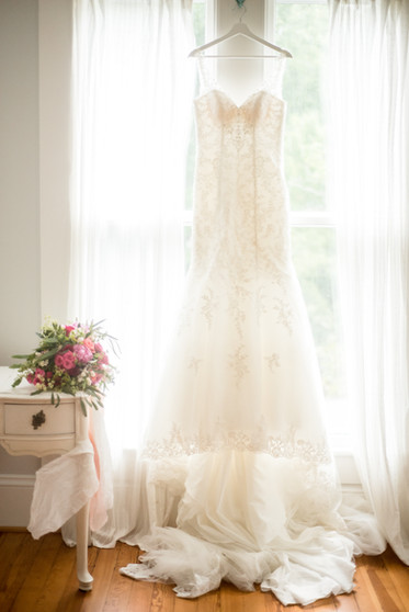wedding dress_bouquet_ritchie hill_concord nc