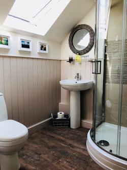 Lennon Bathroom