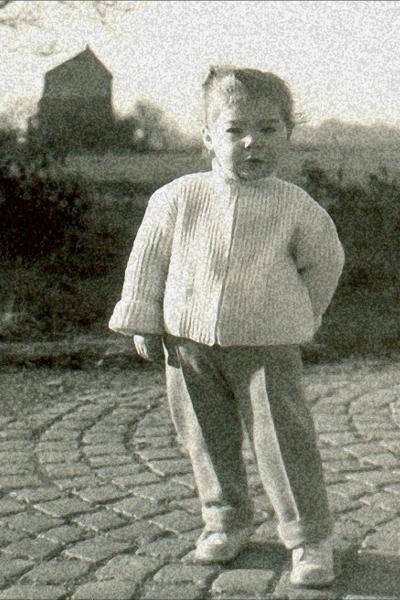 Joan Petite.png