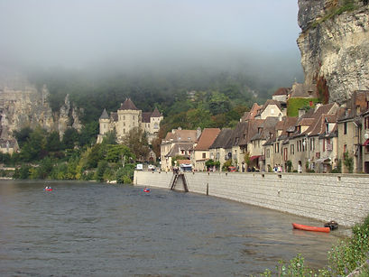 De Burdeos a Dordoña - Castillos fortificados y pueblos medievales