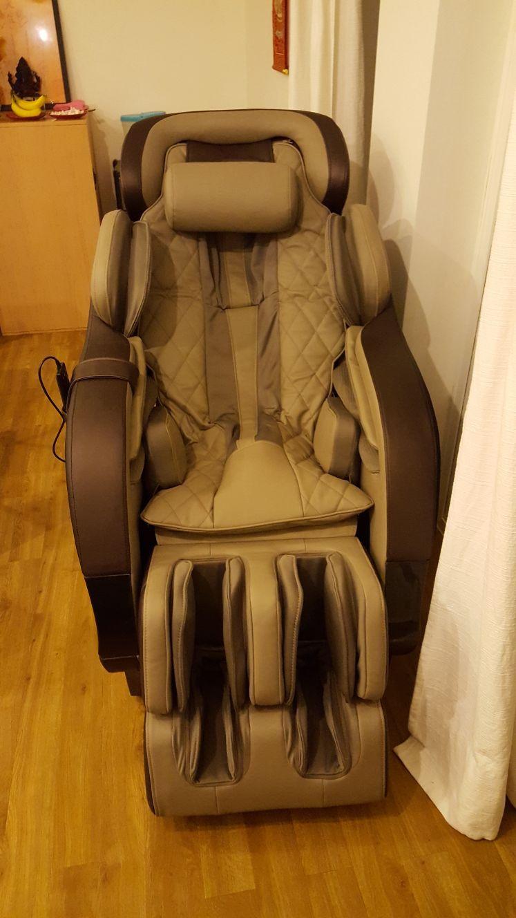 Monarch massage chair