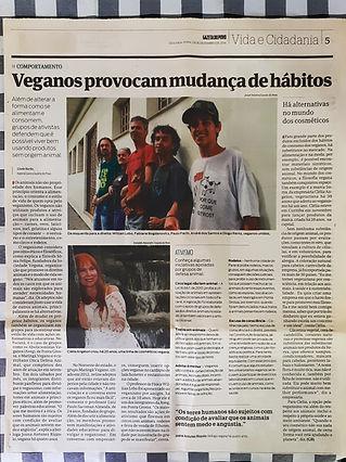 Dezembro/2014 - Participação do Maringá Vegano junto a Aveg (Ponta Grossa) e a Onca (Curitiba) em reportagem sobre ativismo vegano no Paraná, no jornal Gazeta do Povo
