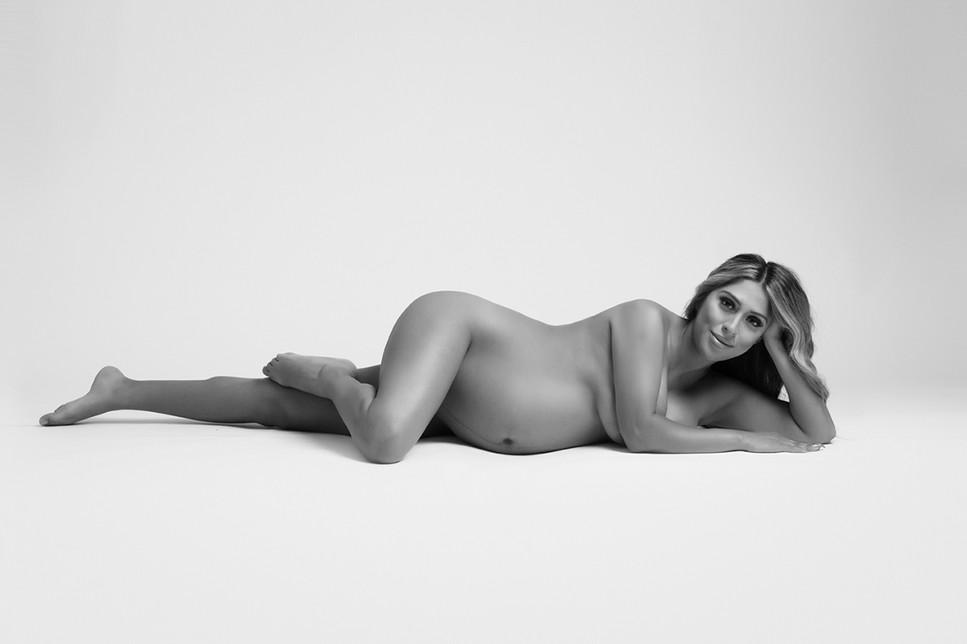 Nude Studio Maternity Kinda Arzon Photography