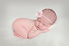 Kinda Arzon Photography - Newborn Photography ww.KindaArzon.com