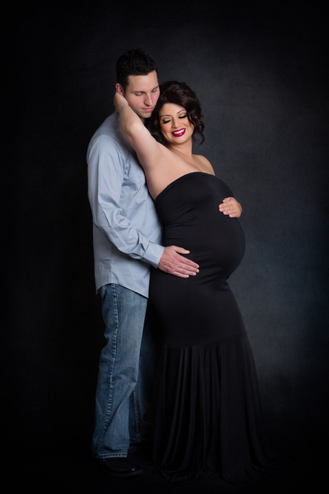 Elegant Studio Maternity Kinda Arzon Photography