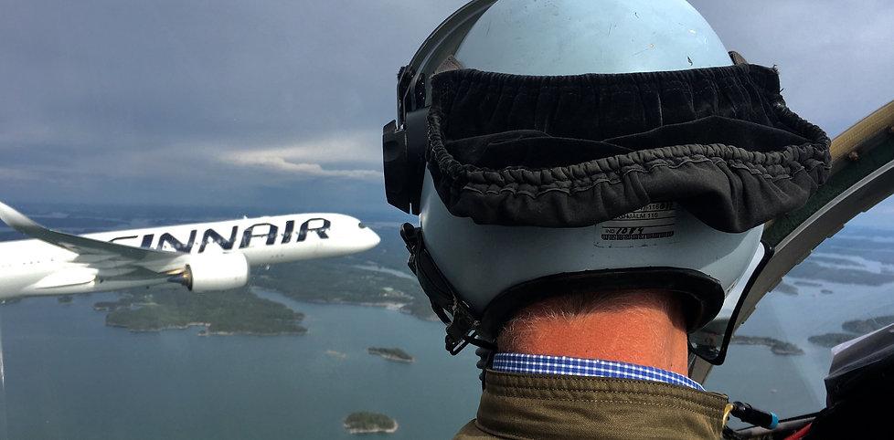 Finnair_SK60.jpg