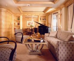 Magic -Royal Suite 1 - Sitting Room.jpg