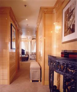 Magic -Royal Suite 1 - Entry Foyer.jpg