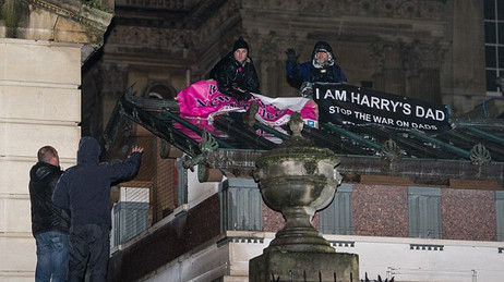 Buckingham palace rooftop protest