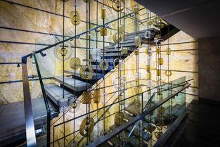RENAISSANCE POLAT HOTEL BALMUMCU- ISTANBUL STAIRS HALL / ART WORK