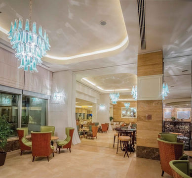 TITANIC HOTEL LARA-ANTALYA LOBBY CAPRICE BAR / CHANDELIER