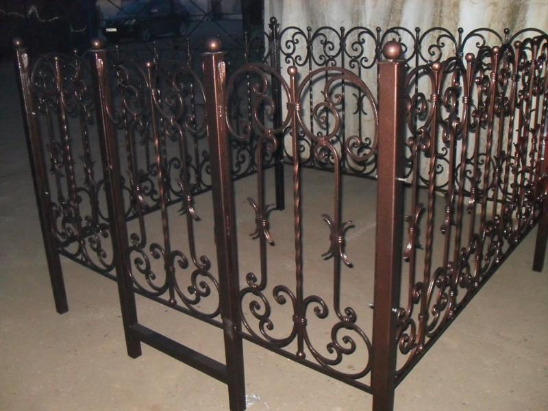 Предлагаем кованые ограды на любой в