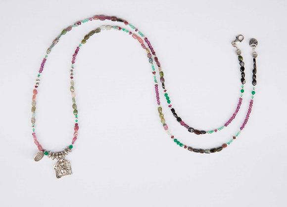 Collar amuleto