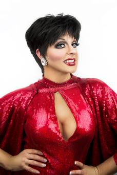 Gigi as Liza Minnelli. Photo by Nathan Buendia