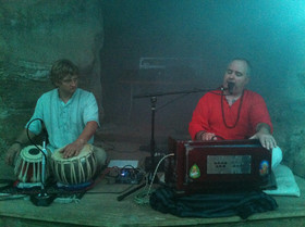 Om Vibrations, Austin