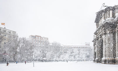 Plaza de la Independencia con bandera_ve