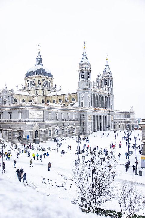 Catedral de la Almudena y Palacio Real, Filomena en Madrid, España