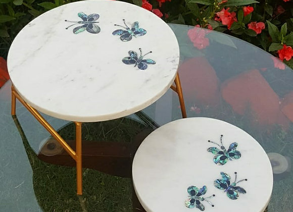 Platter with stand and platter with knobs