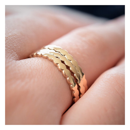 Scallop Ring - 9ct Gold