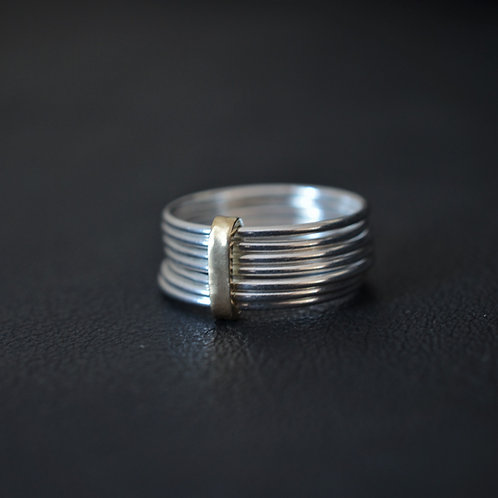 7 STACKER RING // GOLD CLASP