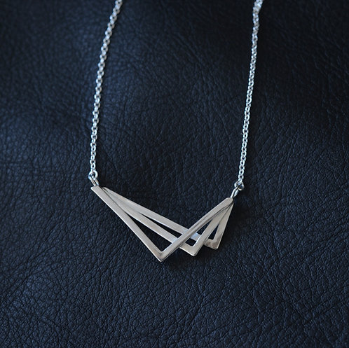 LAYERED V NECKLACE
