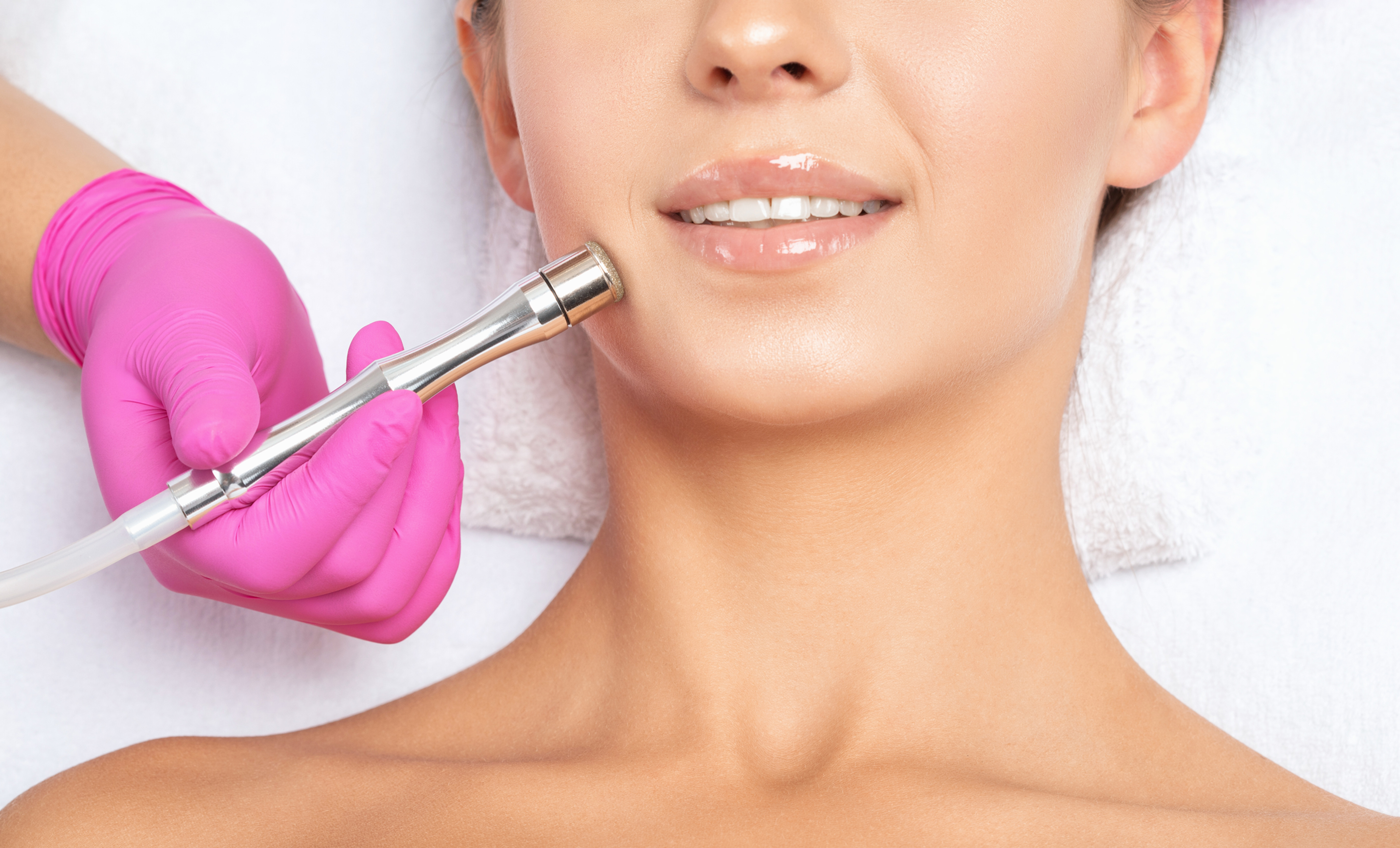 Diamond Peel Face and Neck Therapy