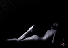 leg 4 nude photo andronicos