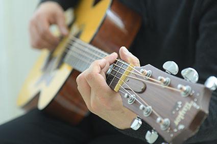katsumi_guitar