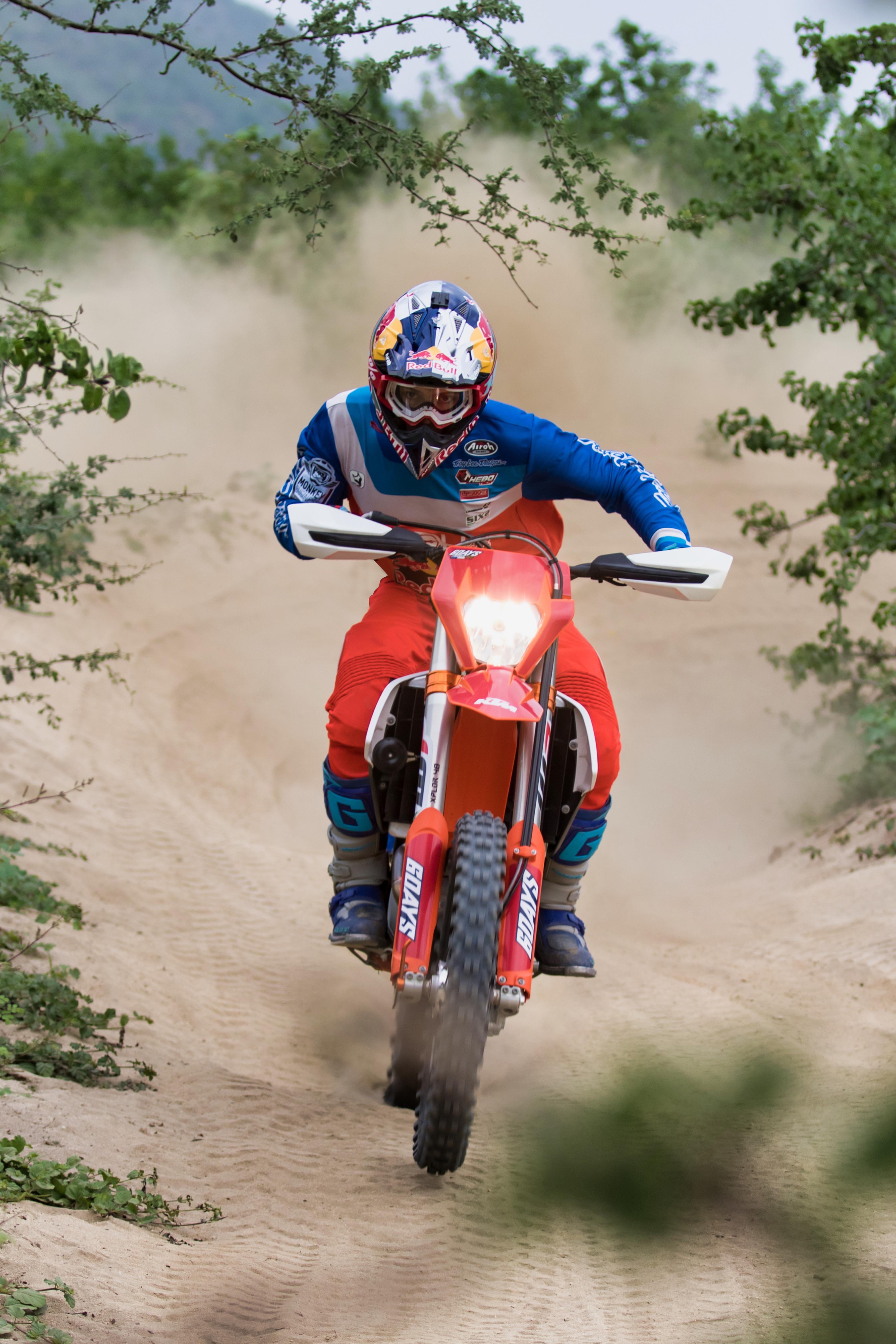 Photoshoot / Rider Profile