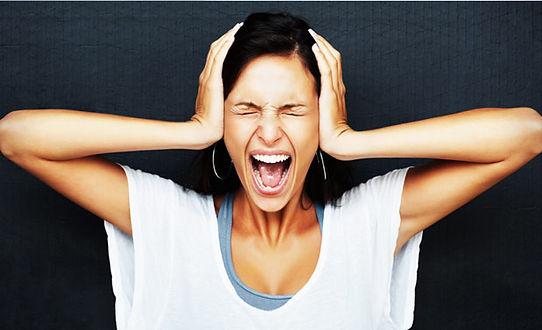 Для работы с паническими атаками необходима помощь профессионального психолога.