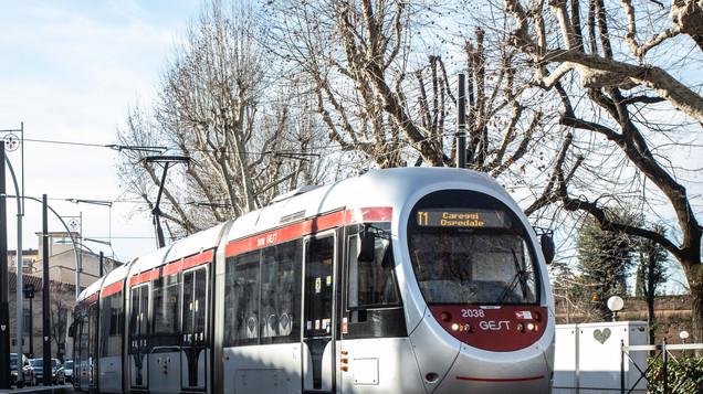 Dal 21 giugno capienza all'80% (Per il tram 215 persone)
