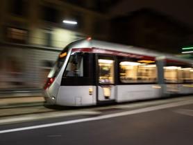 Primo viaggio di prova del tram a batteria tra Stazione-Alamanni e Fortezza