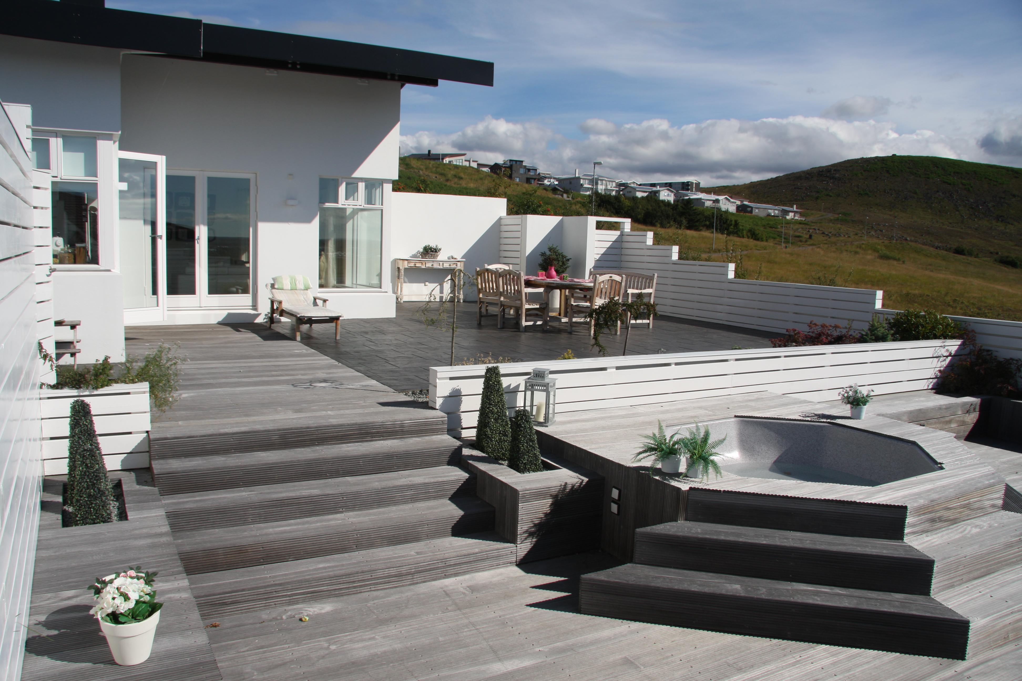 Harðviður og hreinir litir