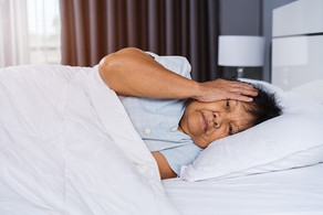 5 Ways to Help a Senior with Sleep Issues Related to Dementia