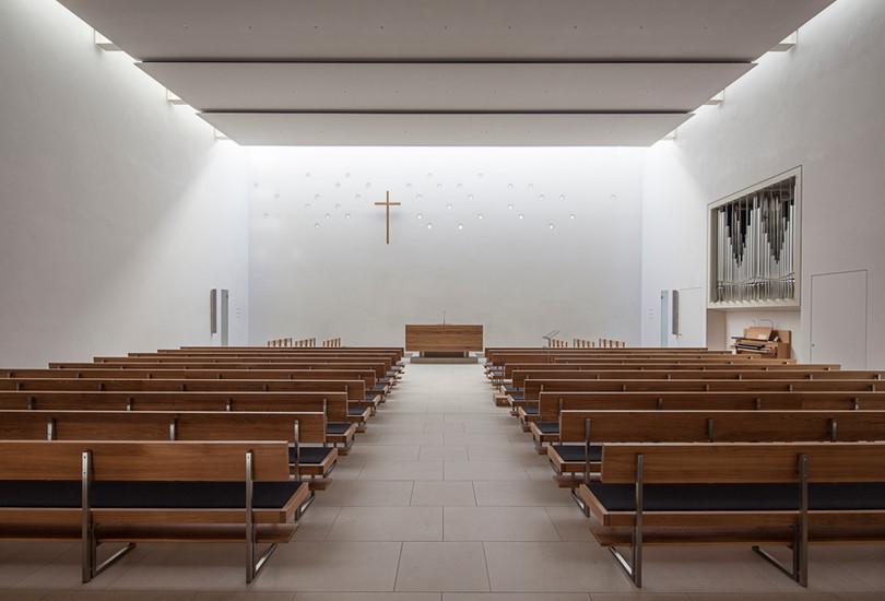 SACRED BUILDING / NEW APOSTOLIC CHURCH