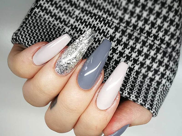 long-nails-ideas-grey-long-glitter.jpg