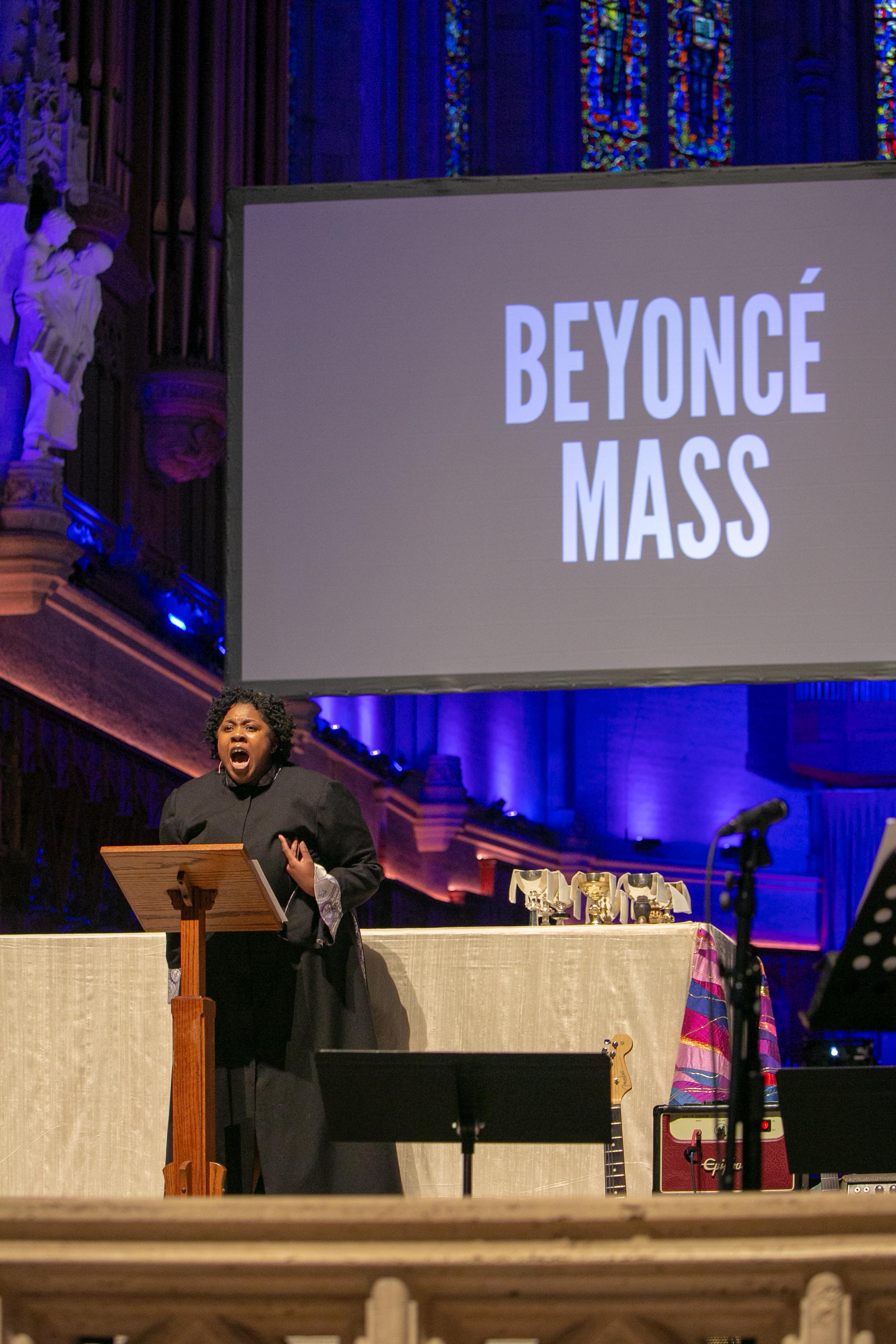 Beyoncé_Mass-113