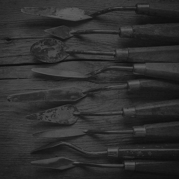 Palette-knives-b%26w2_edited.jpg