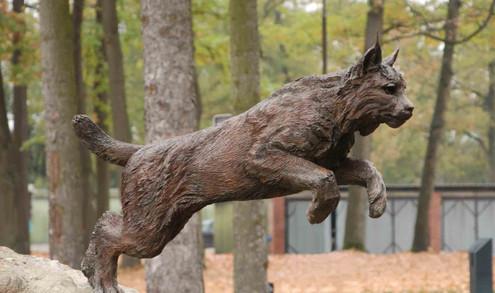 Eurasian Lynx bronze sculpture