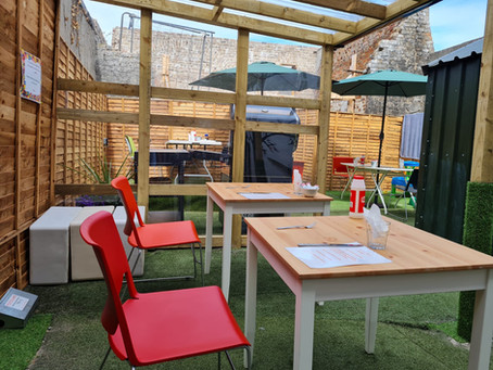 Outdoor dining at SAOL over the  weekend!  Our Weekend Services are up and running!