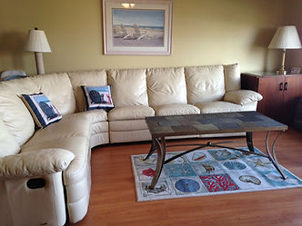 Beautiful sectional with two recliners