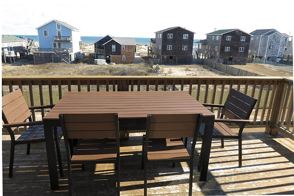 enjoy dnner outside with a view of the atlantic (wth bench, seats 6)