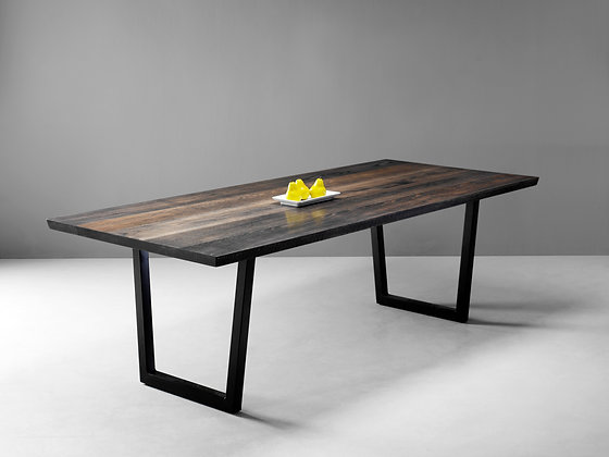 WEATHERED RED OAK DINING TABLE