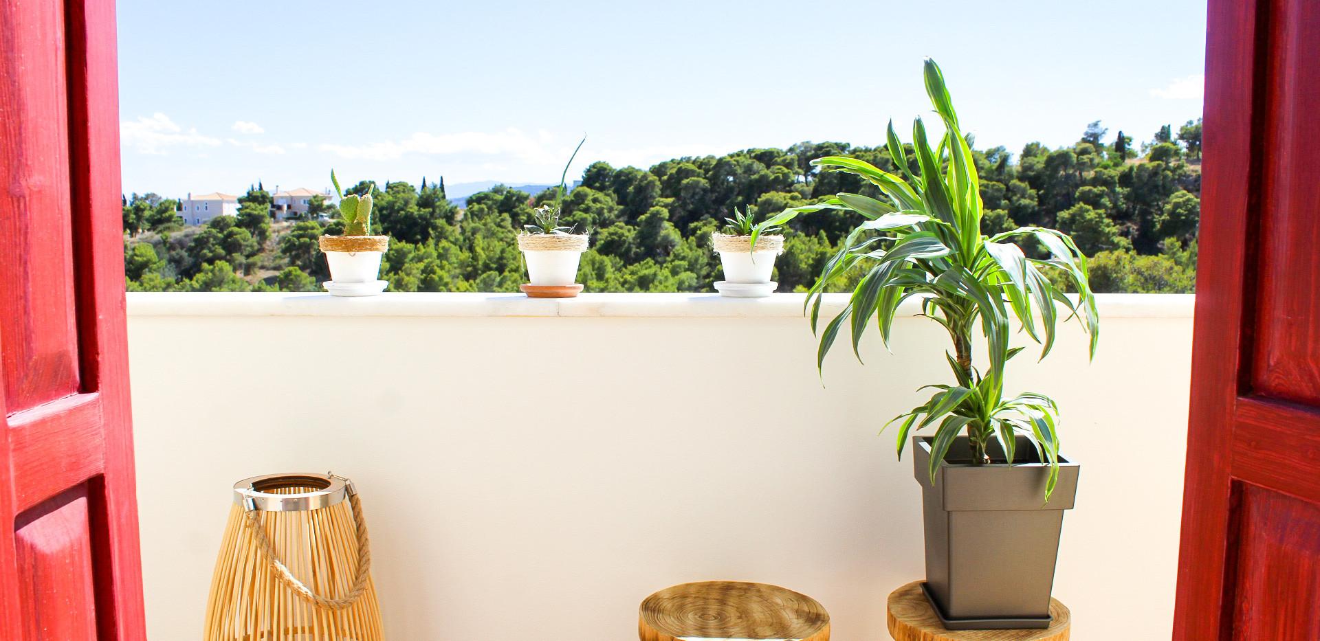 Master bed terrace.jpe