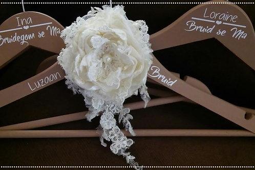 Bridal hanger vintage - lace