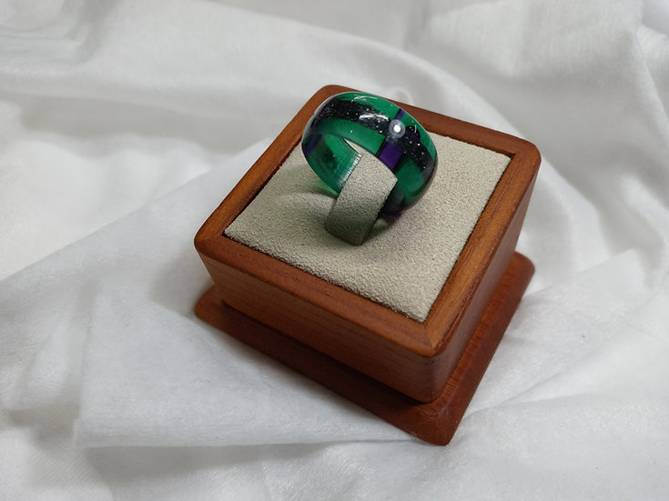 Green and purple acrylic ring w/ Hematite inlay